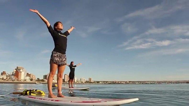 Las clases de stand up yoga están a la orden del día y complementan la estadía para aquellos que buscan relajarse y hcer a la vez algo nuevo.