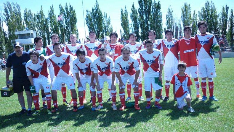 El Deportivo Sarmiento se impuso por 2 a 0 y conservó la categoría.