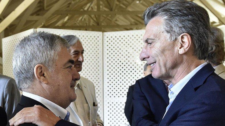 El encuentro entre Mauricio Macri y Mario Das Neves ayer en la Quinta de Olivos en el almuerzo que el Presidente compartió con los gobernadores.