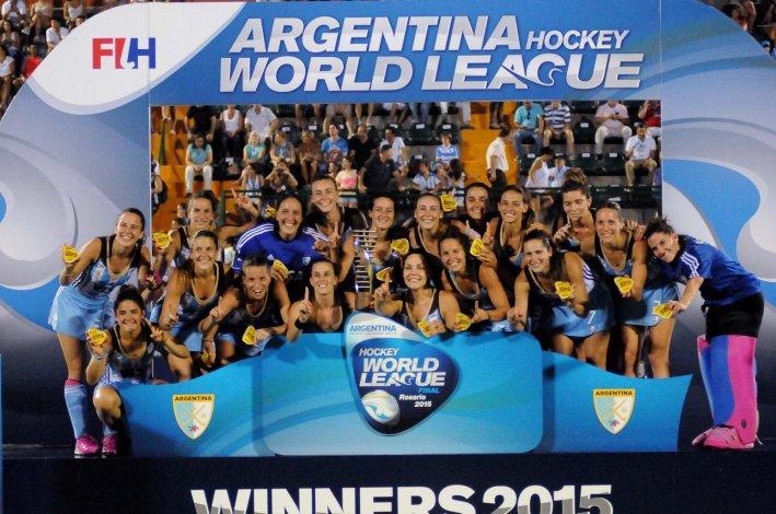 Las Leonas festejan la consagración por primera vez en la Liga Mundial.