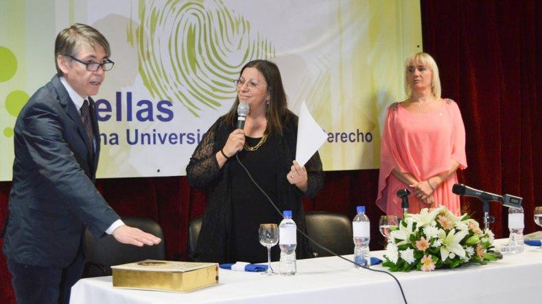 La rectora saliente Eugenia Márquez