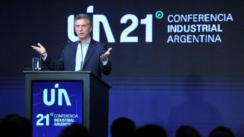 Macri anunció el fin del cepo y la quita de las retenciones a la industria