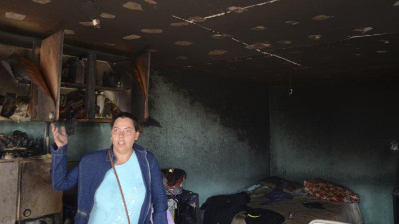 Se le quemó por quinta vez la casa y solicitan ayuda