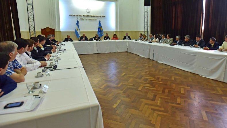Das Neves se reunió con los intendentes de Chubut