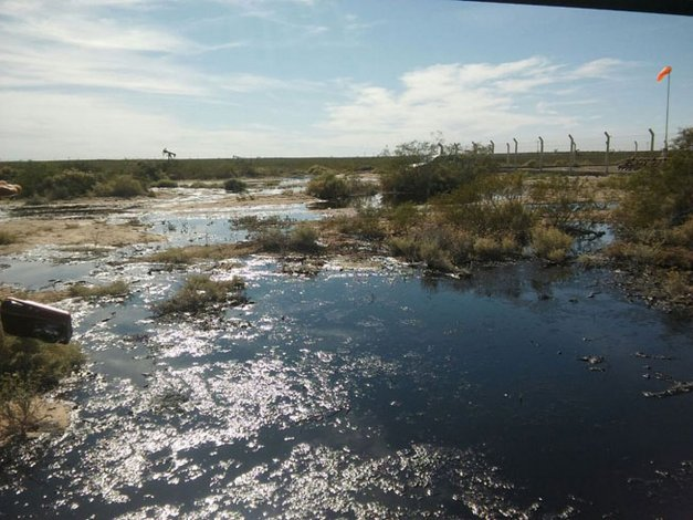 Analizan sanciones para Petroquímica de Comodoro por derrame de crudo
