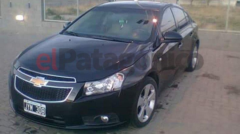 Apareció destruido y sin papeles el auto robado en el predio de La Rural