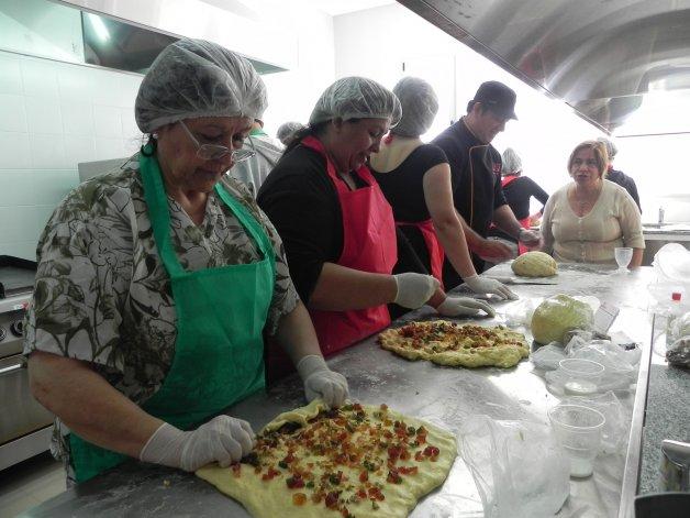 El lunes se llevará a cabo la campaña Amasando Solidario en el Centro Cultural de Rada Tilly.