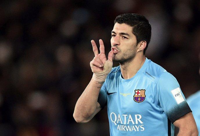 Luis Suárez marcó los tres goles con el que el Barcelona goleó al Guangzhou de China para meterse en la final del Mundial de Clubes.