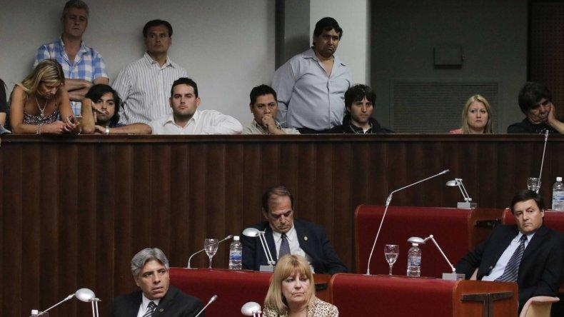 La sesión extraordinaria de ayer sirvió para confirmar al sindicalista Jorge Avila en la conducción de Petrominera.