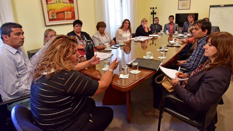 Huichaqueo recibió a responsables de los servicios de Protección de Derechos