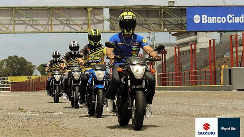 La nueva Suzuki Gixxer se presentó en el Autódromo de Buenos Aires
