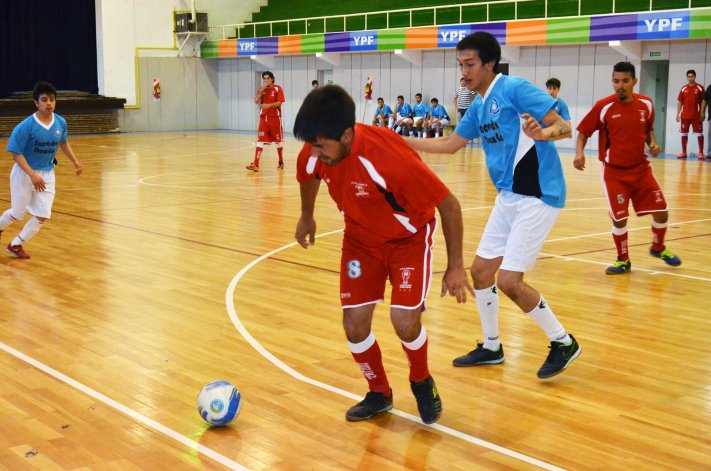 En el fútbol de salón sólo resta definir el campeón de la categoría A.