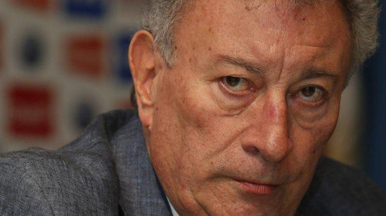 Luis Segura podría seguir al frente de la AFA por seis meses más.