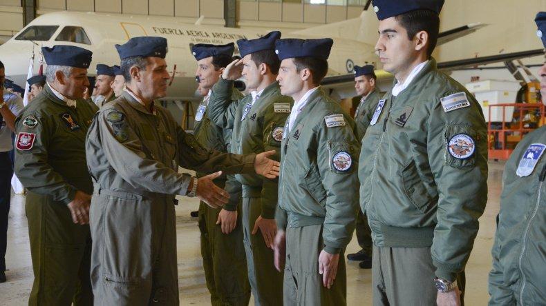 Se realizó ayer el acto de colación de los egresados del curso de estandarización para aviadores de transporte