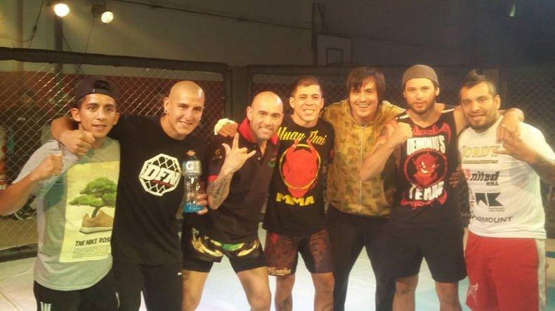 La organización del Devil Fight Night 3 le hizo un merecido reconocimiento a los boxeadores Lucas y Soledad Matthysse.
