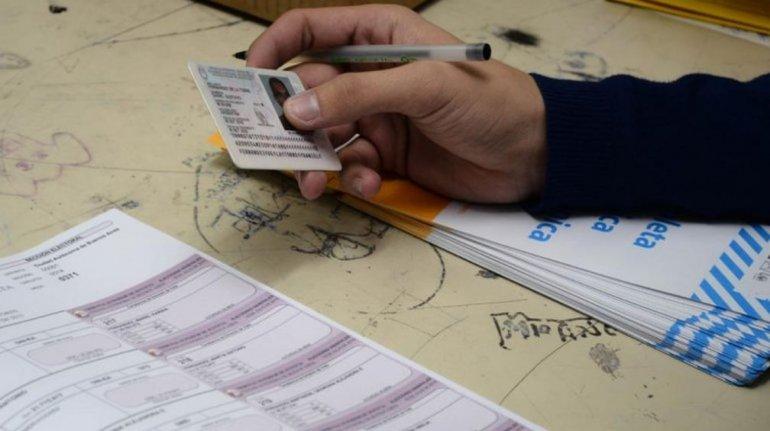 El viernes cobrarán las autoridades de mesas de las elecciones de octubre