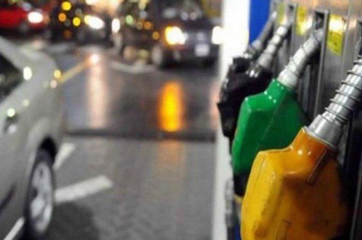 Vuelven a subir las naftas: sería del 6% durante este mes