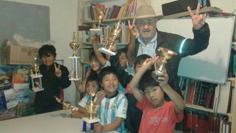 Los niños del barrio Las Américas disfrutaron de su primer torneo de ajedrez