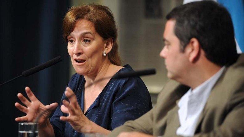 Michetti junto a Triaca en conferencia de prensa sobre la suba de precios.