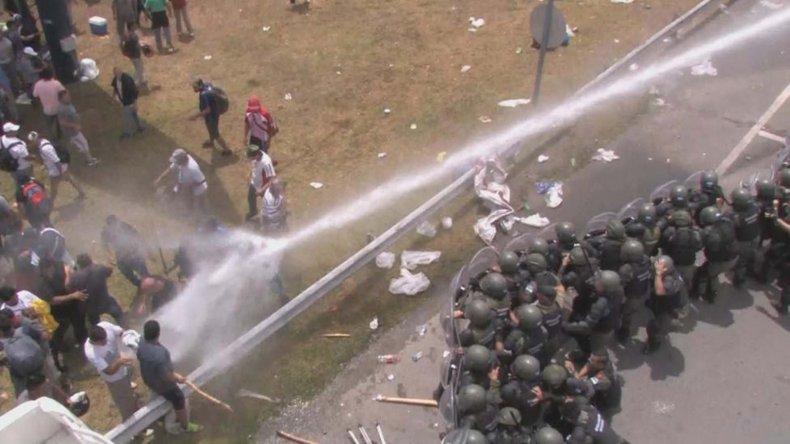 Represión en la autopista Ricchieri.