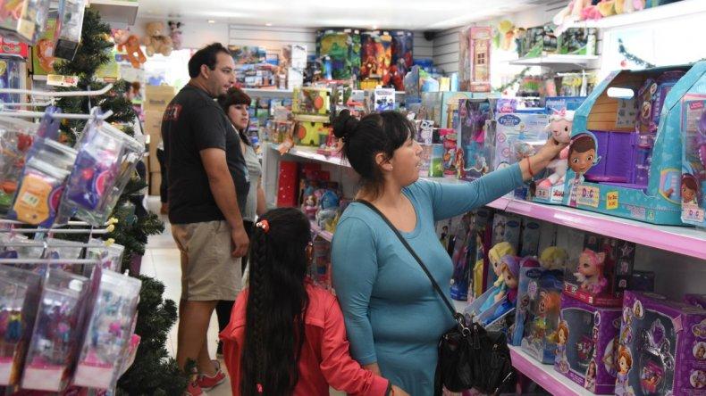 Las compras navideñas en el centro de Comodoro