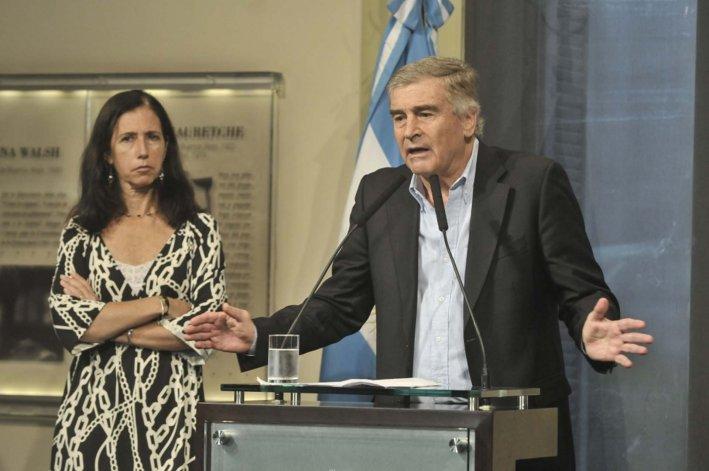 Oscar Aguad brindó detalles de un nuevo decreto de Macri.