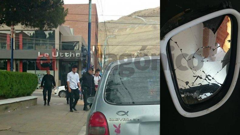 Estudiantes de Rada Tilly festejaban fin de año y rompieron seis autos estacionados