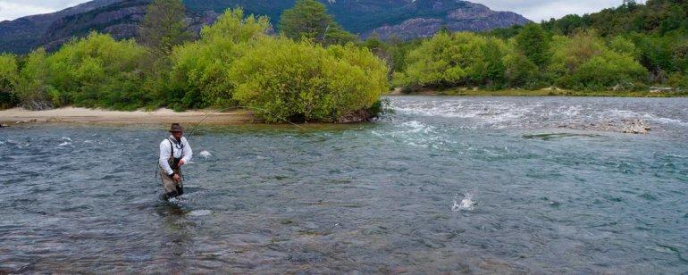Los pescadores se deleitarán con la nutrida fauna de estas aguas y la posibilidad de alojarse muy cerca de ellas.