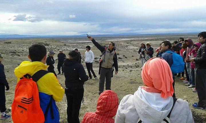 Martín en una de las salidas de la escuela de trekking municipal que busca revalorizar la naturaleza que rodea a Sarmiento.