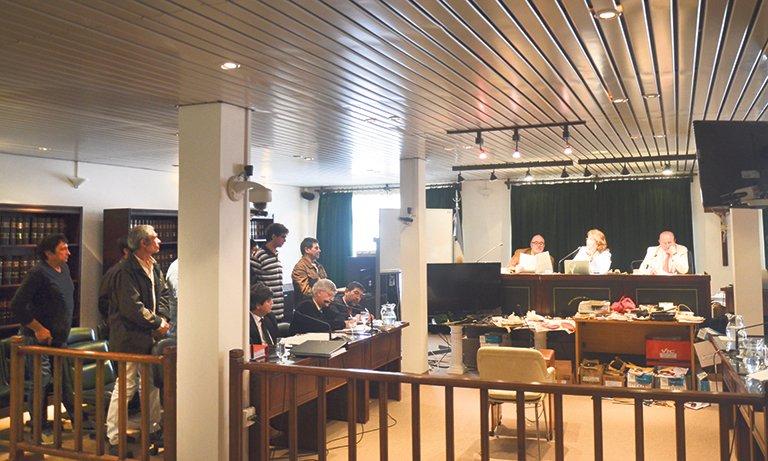 Condenaron a la mitad de los procesados por los 8 kilos de cocaína enterrados en el Faro San Jorge y las penas van de los 4 a los 6 años de prisión con sus respectivas multas y declaraciones de reincidencias.