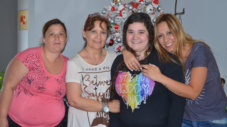 Micaela disfrutó Navidad junto a su familia tras haber superado un grave accidente de tránsito que la tuvo como protagonista el 25 de abril.