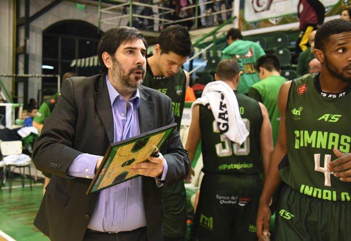 Gonzalo García está pensando en sumar un jugador para la Liga de las Américas.