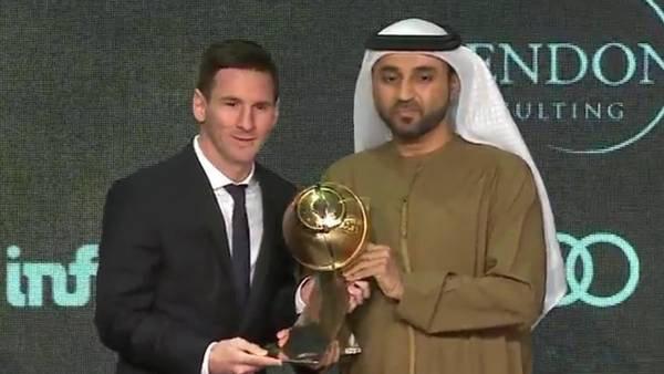 Lionel Messi recibió otro premio para agregarlo a sus vitrinas.