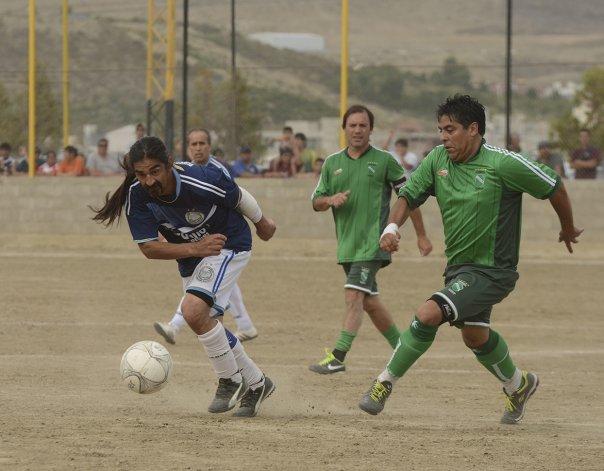 El elenco de Kilómetro 8 fue contundente en la final y le ganó con claridad 4-0 a Puerto Argentino.