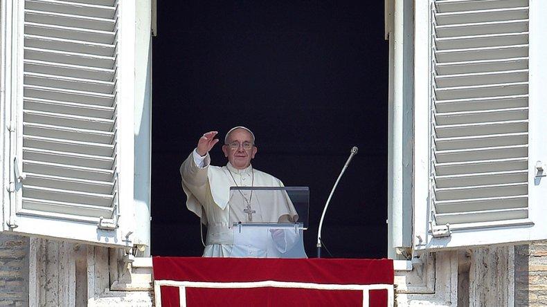 El papa Francisco pidió a los países de América latina y el Caribe por los cubanos varados en Costa Rica y una rápida solución al problema humanitario de la inmigración de ese país.