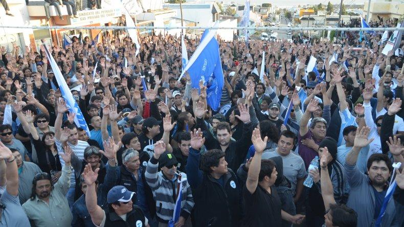 Petroleros se movilizarán el lunes: si quieren la Patagonia rebelde la van a tener