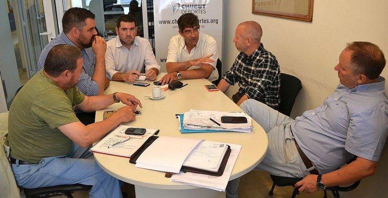 Positivo encuentro mantuvieron miembros de la Federación Chubutense de Natación con Chubut Deportes.