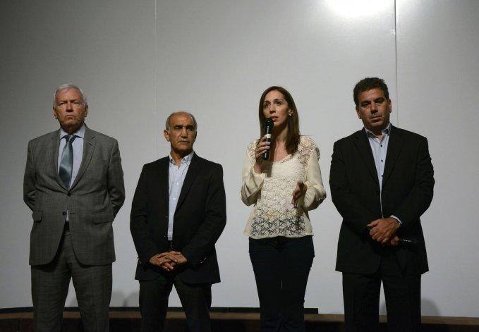 La gobernadora de Buenos Aires indicó que los ex convictos contaron con complicidad interna para fugarse.