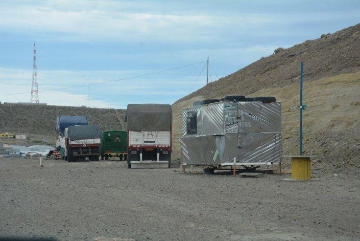 Uno de los tradicionales carritos del acceso sur que fue violentado el fin de semana por desconocidos.