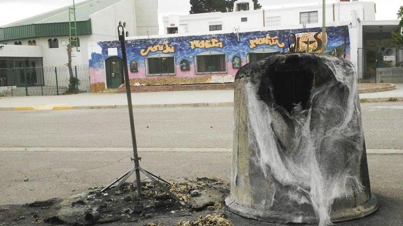 Incendian dos iglúes de residuos reciclables en el Pueyrredón