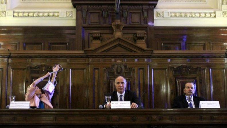 La Corte postergó el traspaso de las escuchas decretado por Macri