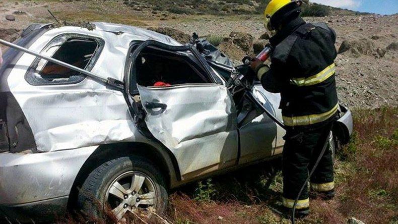 Fatal accidente: una joven falleció y su hermano se encuentra grave