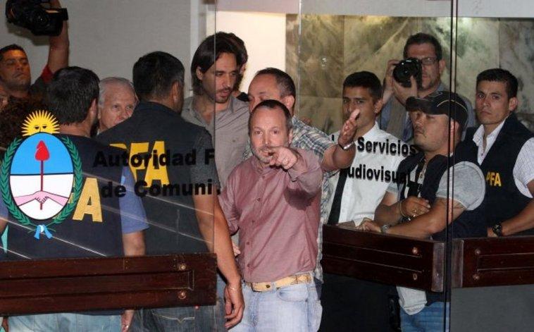 Tensión entre la policía y despedidos en la Afsca
