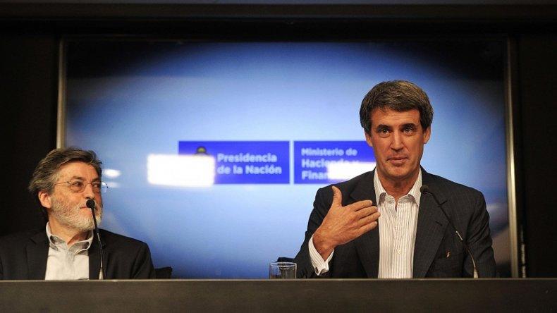 Prat Gay anunció en conferencia de prensa una serie de medidas económicas.