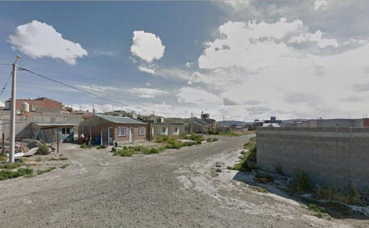 Violento asalto en km 5: amenazaron con armas a una familia