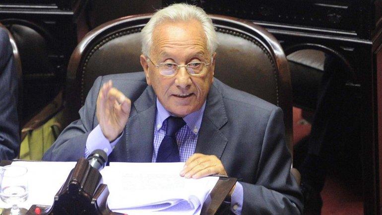Recalde reiteró que el kirchnerismo está analizando la posibilidad de autoconvocarse en Diputados.