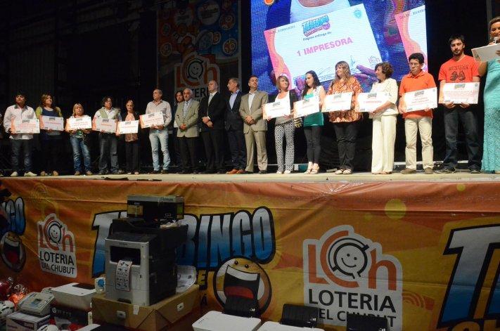 El público dijo presente en el último sorteo del Telebingo Chubutense que se realizó en el club Socios Fundadores.