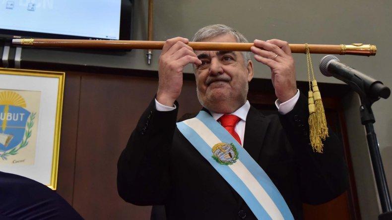 Mario Das Neves cumple hoy 22 días de gobierno.