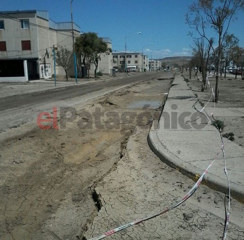 Otra vez la avenida Chile está intransitable