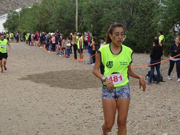 Andrea Avilés hizo lo propio pero en la categoría Damas.